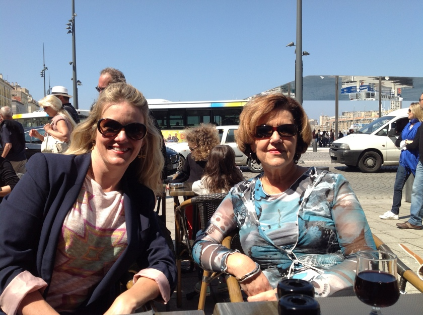 Al fresco lunch in Marseille