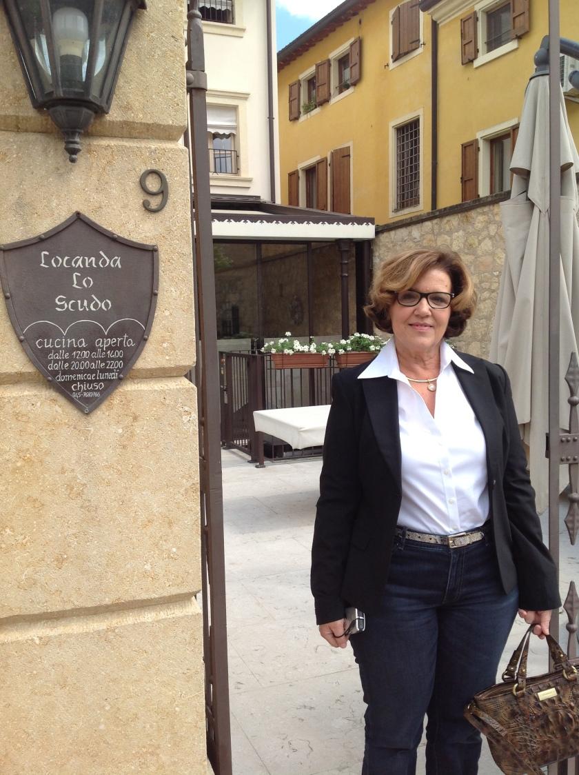 Karyn at Lo Scudo