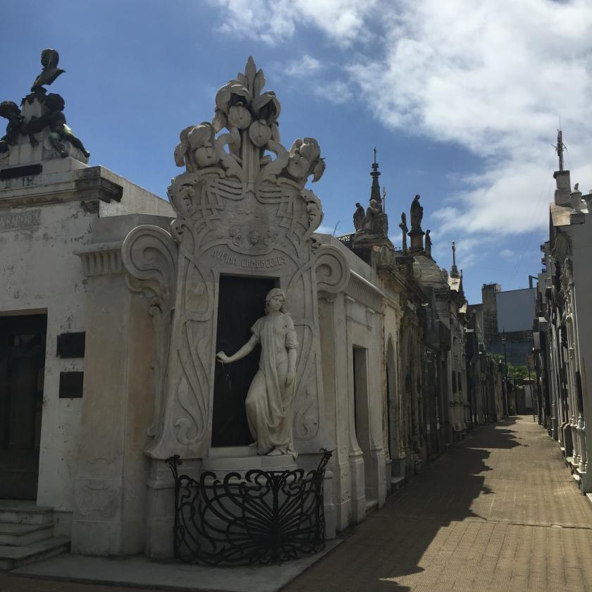 Recoleta cemetery scenes